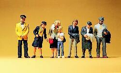 Preiser - Viajeros esperando el tren, 6 figuras, Escala H0, Ref: 10382.