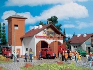 Vollmer - Parque de bomberos con dos cocheras, Escala H0, Ref: 43761.