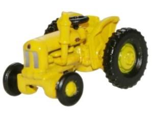Oxford - Tractor Fordson, color Amarillo, Highways Dept, Escala N, Ref: NTRAC003.