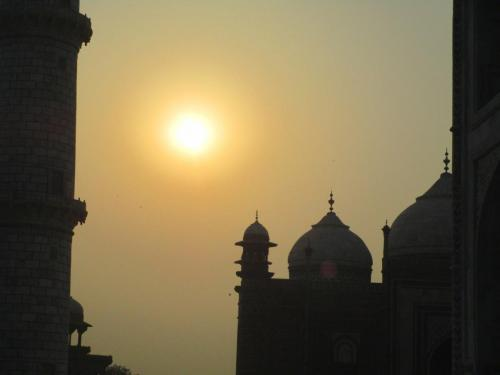 Taj Mahal - Sun rising
