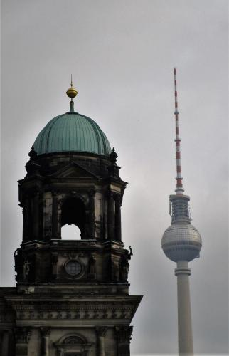 Berliner Dom with the TV Tower in the background.