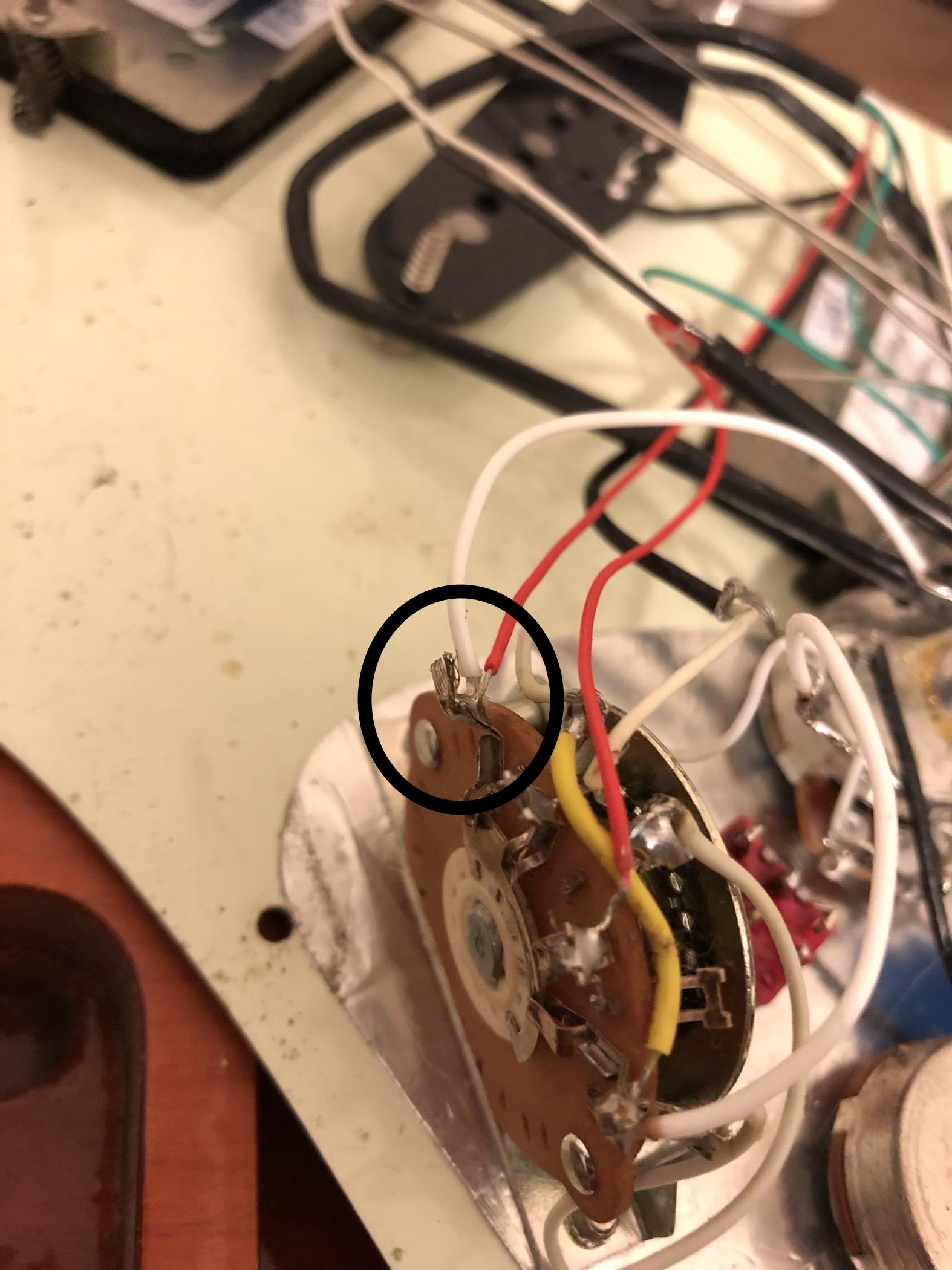 hight resolution of bridge pickup lug on the 5 way switch
