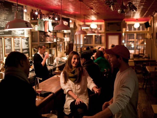 Spuyten Duyvil, bars in Williamsburg