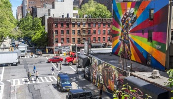 Street with art in Chelsea, Manhattan NYC, find rooms