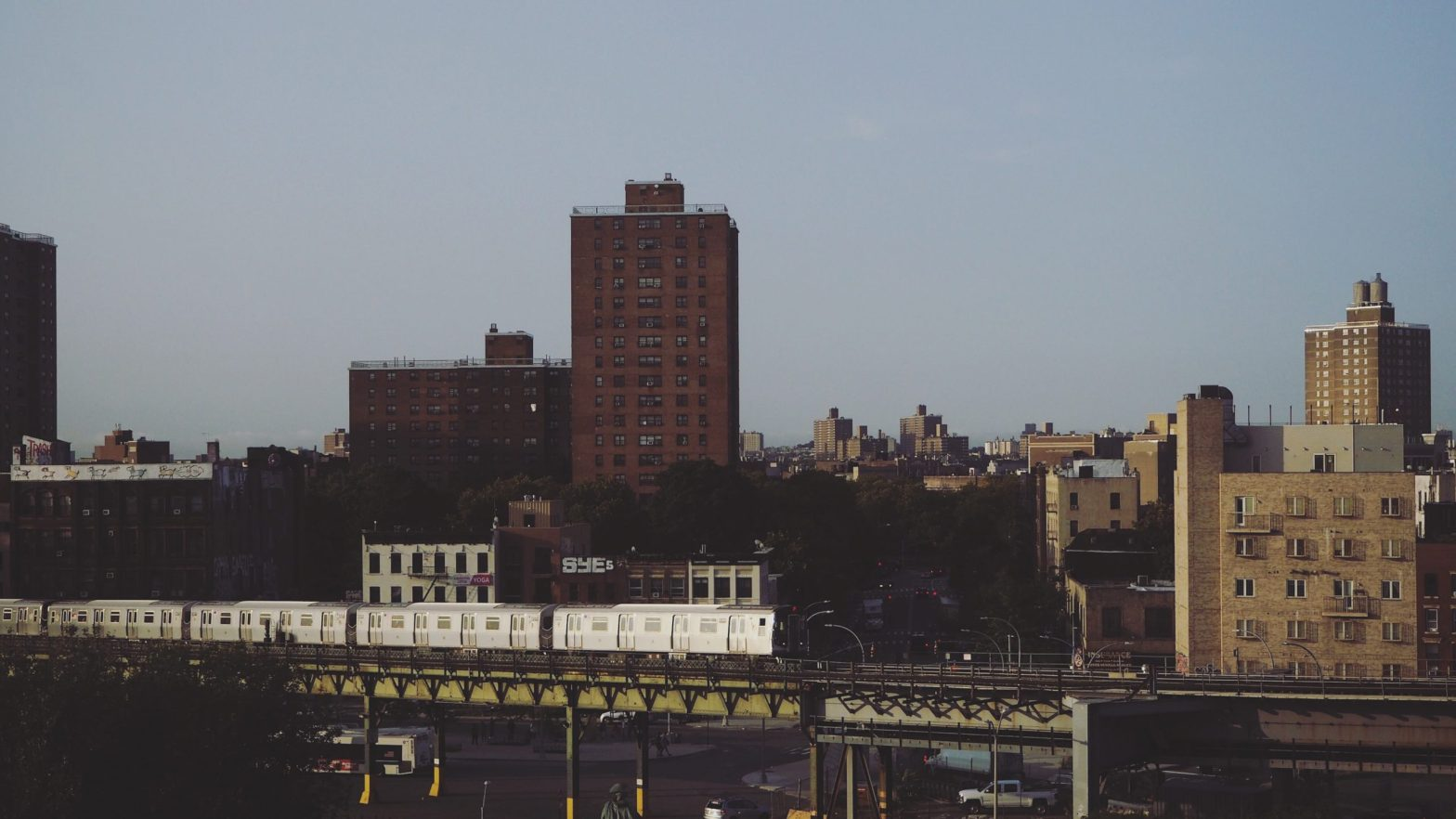 Williamsburg Brooklyn, wideshot, find rooms for rent