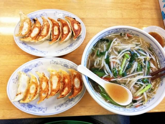 餃子はデフォで2人前wもやしラーメンは激熱の88.8℃「ぎょうざの満州 新狭山駅店」へ行って来ました~w