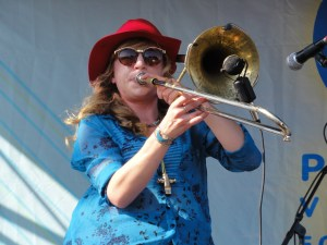 tromboniste du Mike Dillon Band