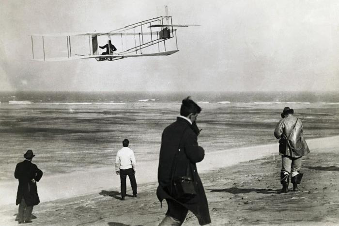 quienes inventaron el avion