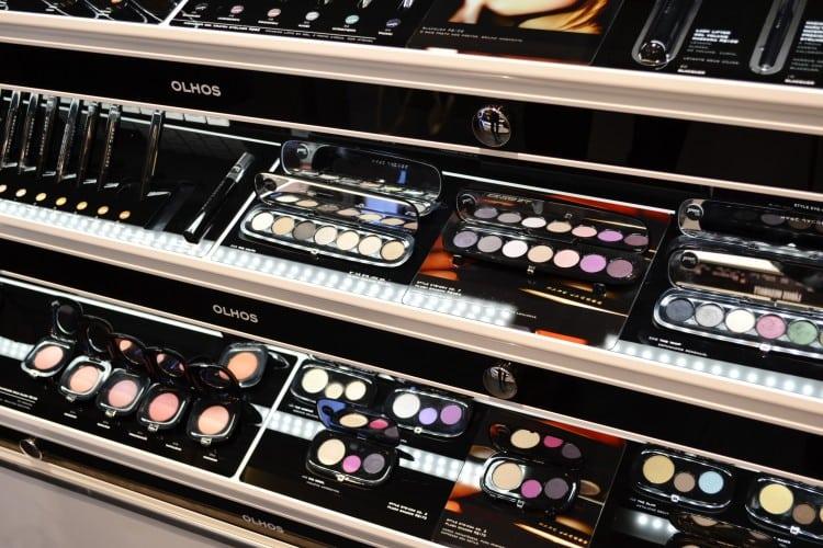 Comprando maquiagens