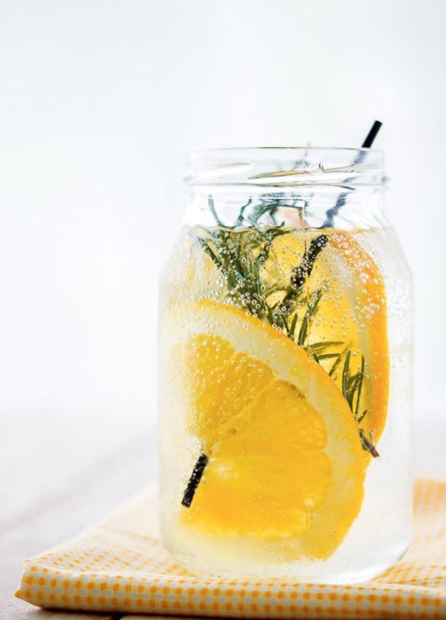nao deixe para tomar agua quando estiver com sede, pois esse e o sinal que o seu corpo ja esta desidratado