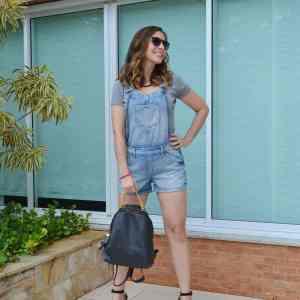 Look usando Jardineira Jeans