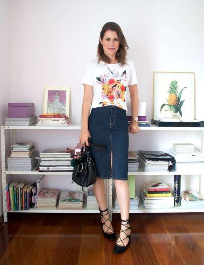 Inspiração e dicas de looks usando saia jeans