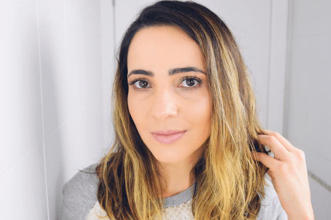 Post e vídeo com uma história sobre aceitação do cabelo ondulado e armado, autoestima e aceitação em ser quem somos.