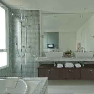 Pastilhas podem dar um visual novo e descolado no seu banheiro