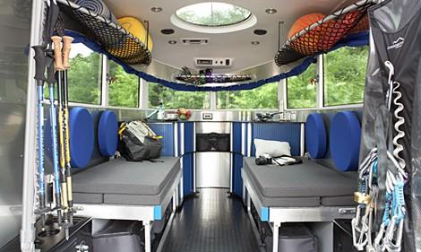 Airstream Bambi 422  Lamerican way of life  porte de camping   Blog Automobile
