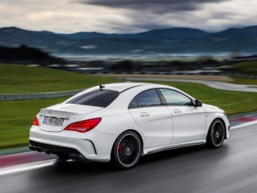 Mercedes-CLA-AMG-2013-3