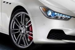 Maserati-Ghibli-Sedan-3[10]