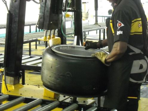 Pneu Dunlop ateliers (1)