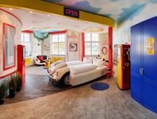 V8-Hotel-Themenzimmer-Tankstelle-00_Hoppe