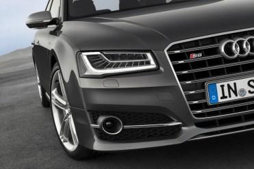 2014-Audi-S8-8[2]