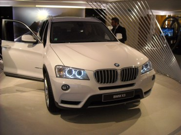 BMW X3 LCI (1) Closed Room