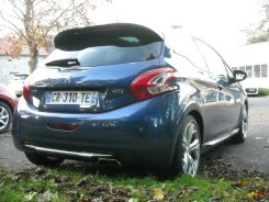 Peugeot 208 GTi (11)