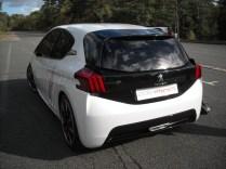 Peugeot 208 HYbrid FE (6)