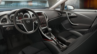Opel_Astra_Cosmo