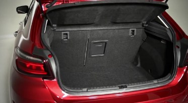 World Premiere Qoros 3 Hatch - backdoor