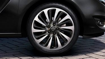 nouvel Opel Meriva restylé 2014