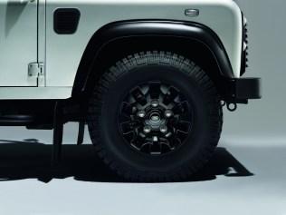 Land-Rover Defender Silver Pack et Black Pack