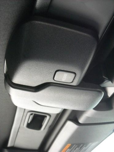 Manipulation Capote Mazda MX-5 (1)