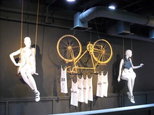 Mercedes Pop Up Store 2014 George V (17)
