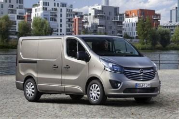Opel-Vivaro-2014_04