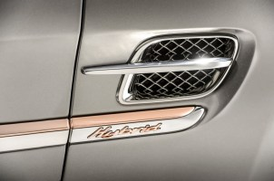 Bentley_Hybrid_Concept_Exterior_Badge_2