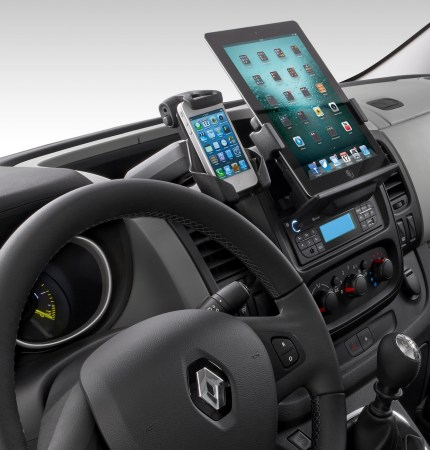 Renault_56846_global_fr