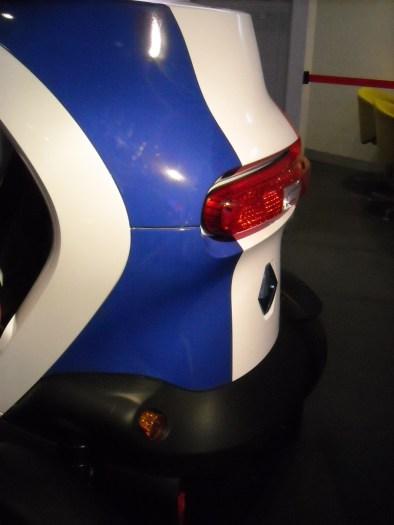 Renault Twizy strip France (3)