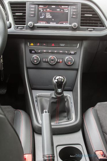 Seat-Leon-ST-FR-TDI-184_17