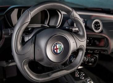 Alfa_Romeo-4C_Spec USA.10