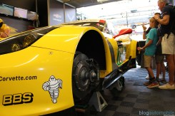 stands-corvette-racing-24HLM-43