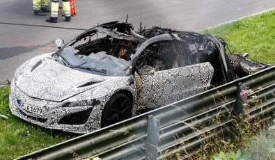 Honda NSX 2015 on fire