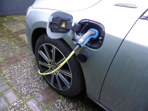 Volvo V60 D6 AWD Plug-in Hybrid 23