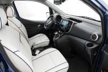 Nissan e-NV200 VIP Concept.20