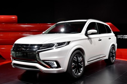 Mitsubishi Outlander PHEV Concept-S.1