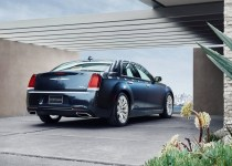 Chrysler-300C-2015-04