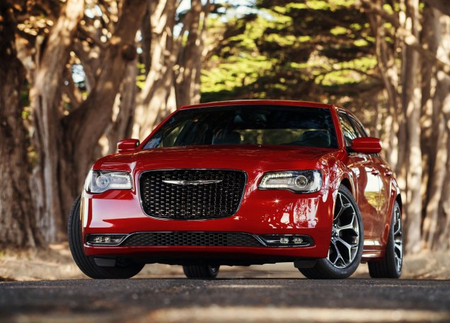 Chrysler-300C-2015-11