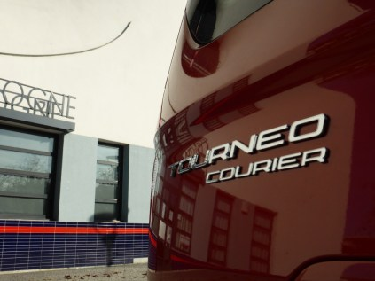 Ford Tourneo Courier 02