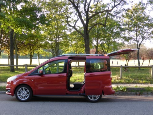 Ford Tourneo Courier 05