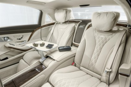 Mercedes - Maybach S600 (27)