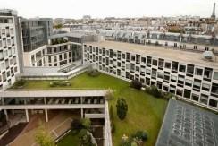 Peugeot quitte l'avenue de la Gde Armée.3